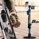 Bicycle pump with manometer